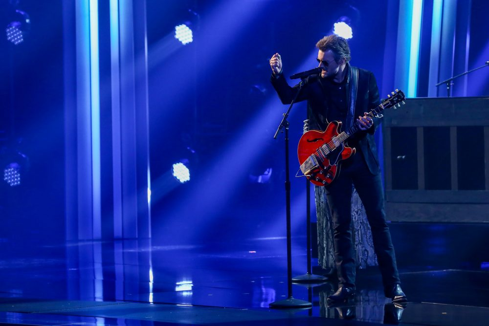 Eric Church Walks the CMA Awards Line Between Outlaw and Romantic