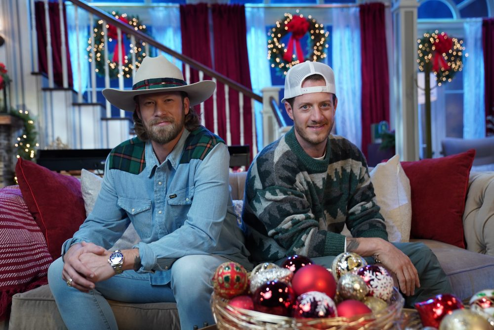 Florida Georgia Line Get 'Lit This Year' at CMA Country Christmas