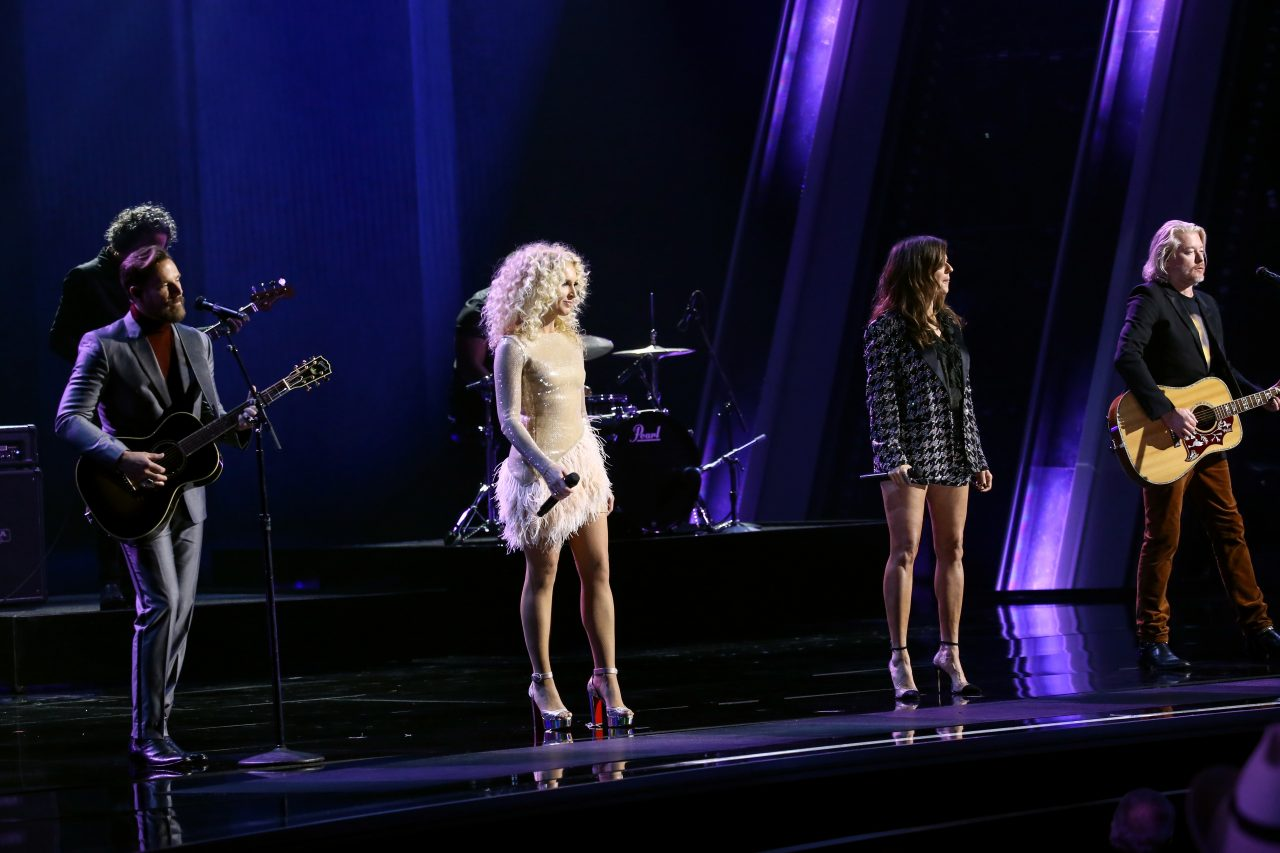 Little Big Town Honor Kenny Rogers With 'Sweet Music Man' at CMA Awards