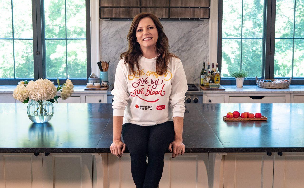 Get Martina McBride's Sautéed Spinach Recipe In Time For Thanksgiving