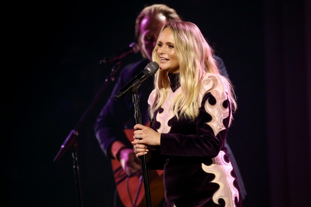 Miranda Lambert Offers Mellow Performance of 'Settling Down' on 2020 CMA Awards