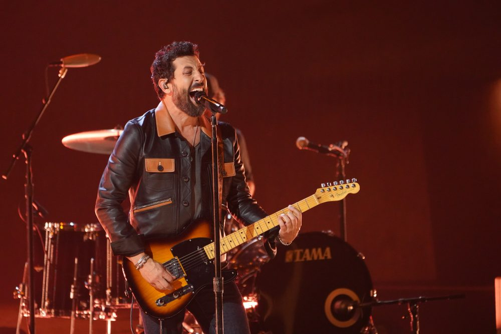 Old Dominion Cover Johnny Lee's 'Looking for Love' at the CMA Awards