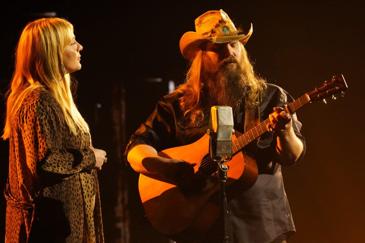 Chris Stapleton Offers Stunning Performance of 'Starting Over' at CMA Awards