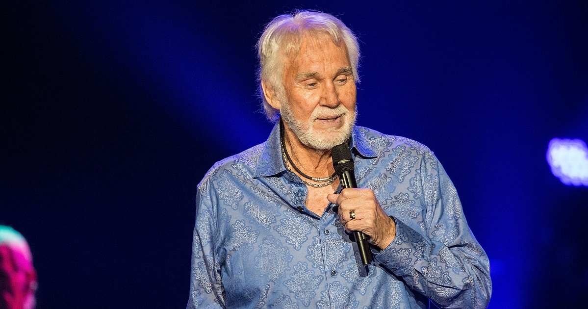 5 Years Later: Kenny Rogers' 'Once Again It's Christmas' - Sounds Like Nashville