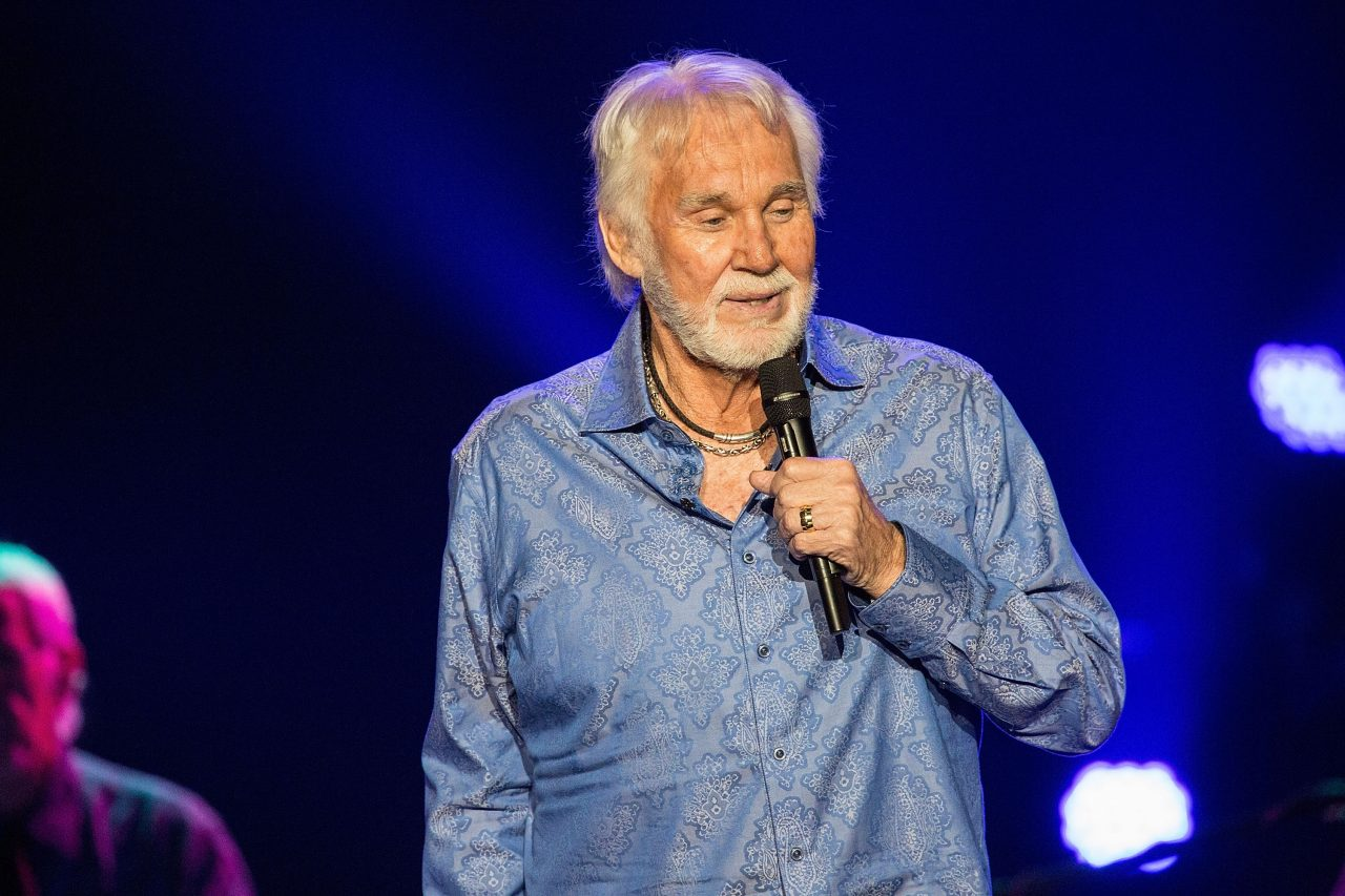 5 Years Later: Kenny Rogers' 'Once Again It's Christmas'