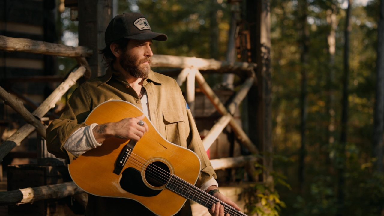 Canaan Smith Finds Peaceful Perfection in 'Cabin In the Woods' Video