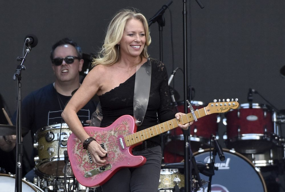 BobbyCast Recap: Bobby Bones Chats With Deana Carter About 25th Anniversary of 'Strawberry Wine'
