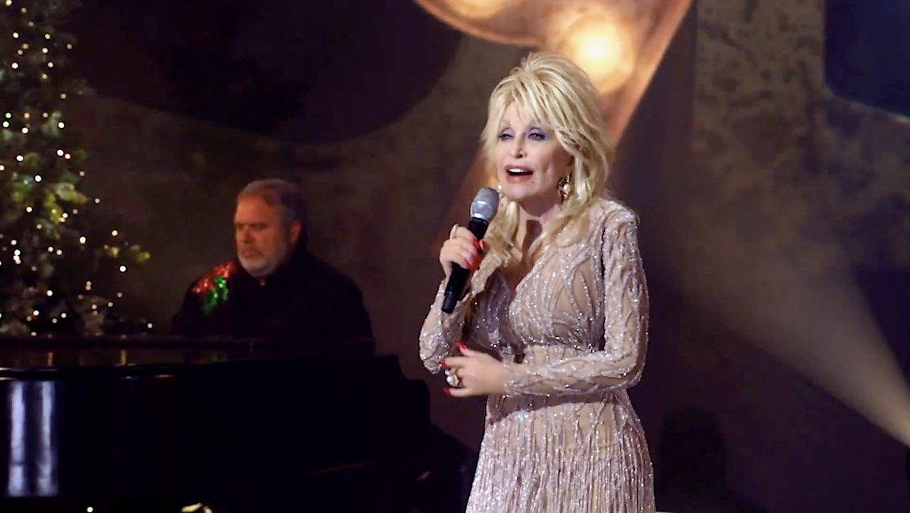 Dolly Parton Joins Bee Gees' Barry Gibb for 'Words' Duet