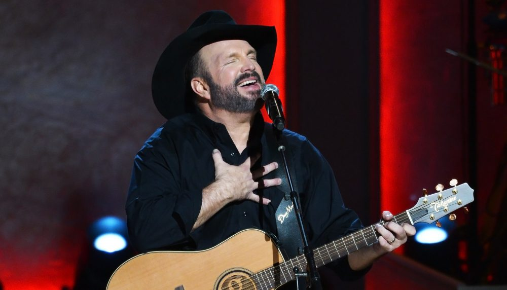 10 Things You May Not Know About Garth Brooks