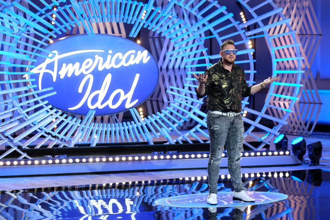 'Latin Luke Bryan' Gets 'American Idol' Judges On Their Feet During Audition