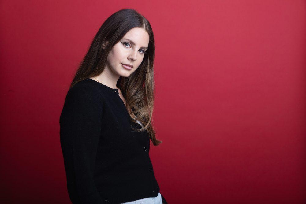 Pop Sensation Lana Del Rey Teases Country Record