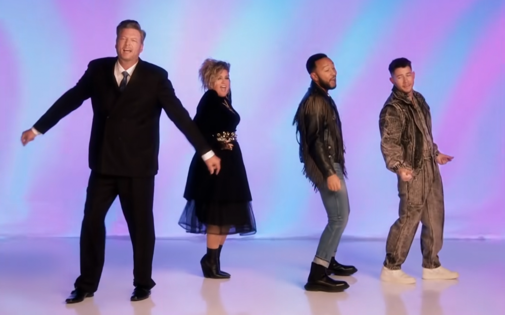 Blake Shelton Leads '80s Themed Rick Astley Cover for 'The Voice'