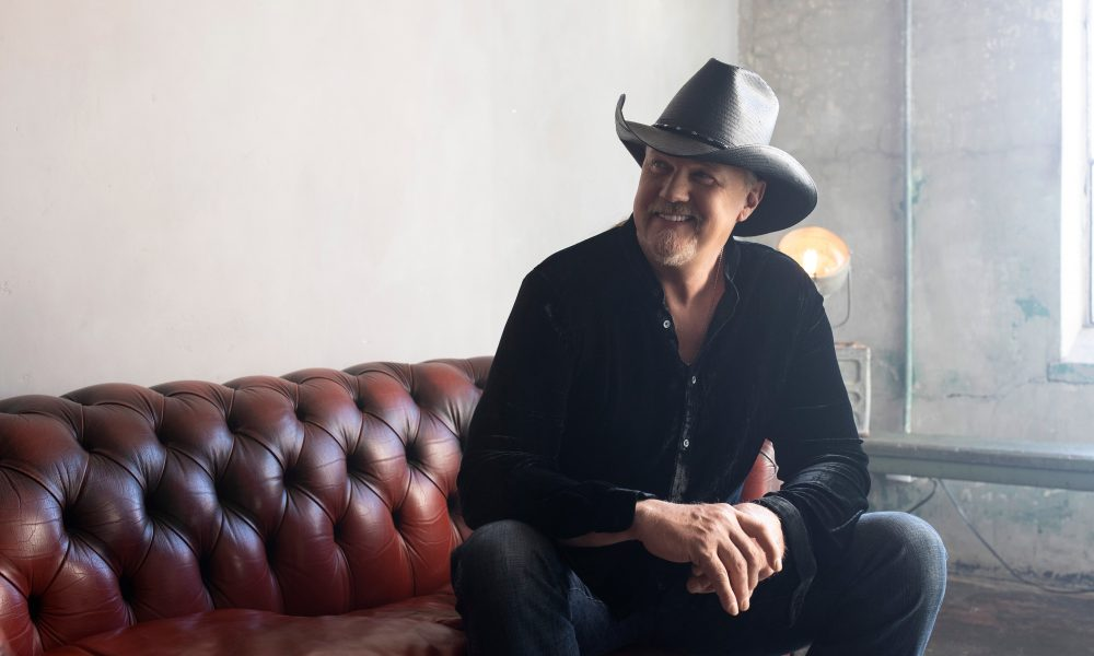 Trace Adkins Celebrates 25 Years With Livestream, 'Trace 25: Still Dreamin' Out Loud'