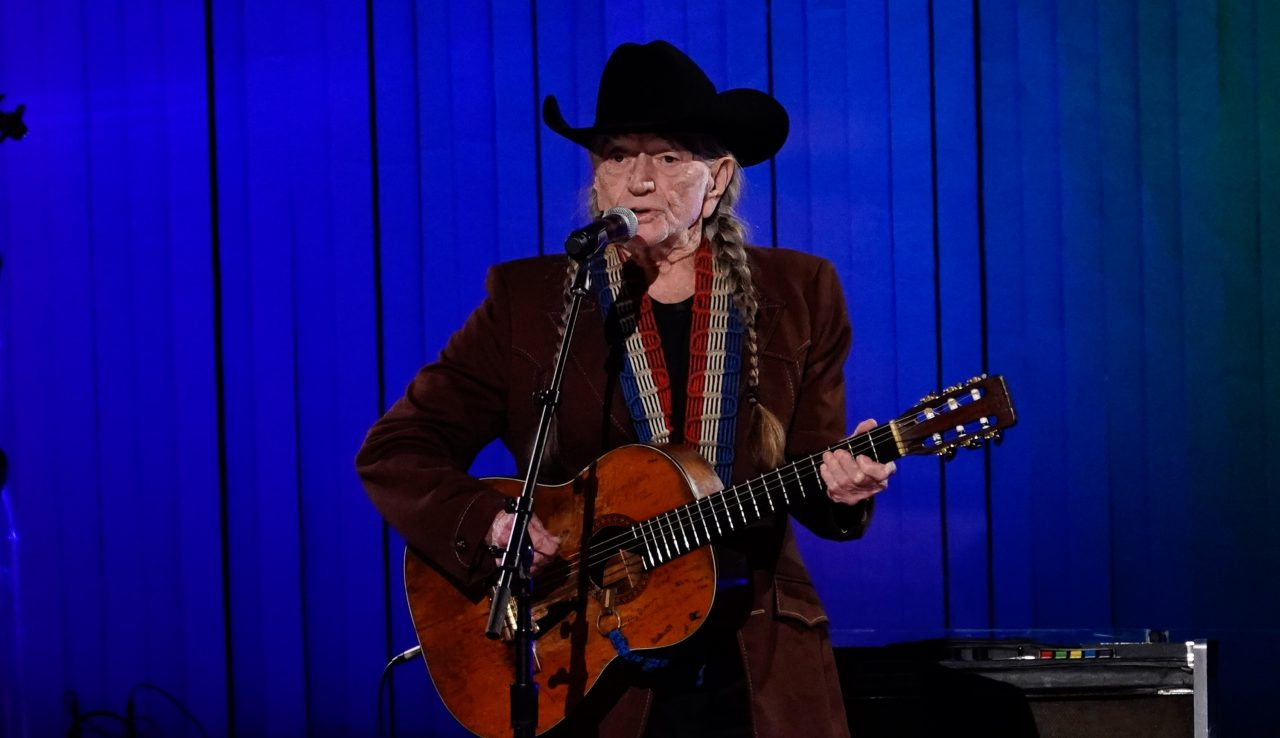 Willie Nelson Talks Sinatra and Air Sickness on 'Sunday Today'