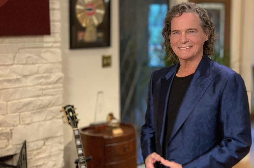 BJ Thomas Reveals Stage Four Lung Cancer Diagnosis