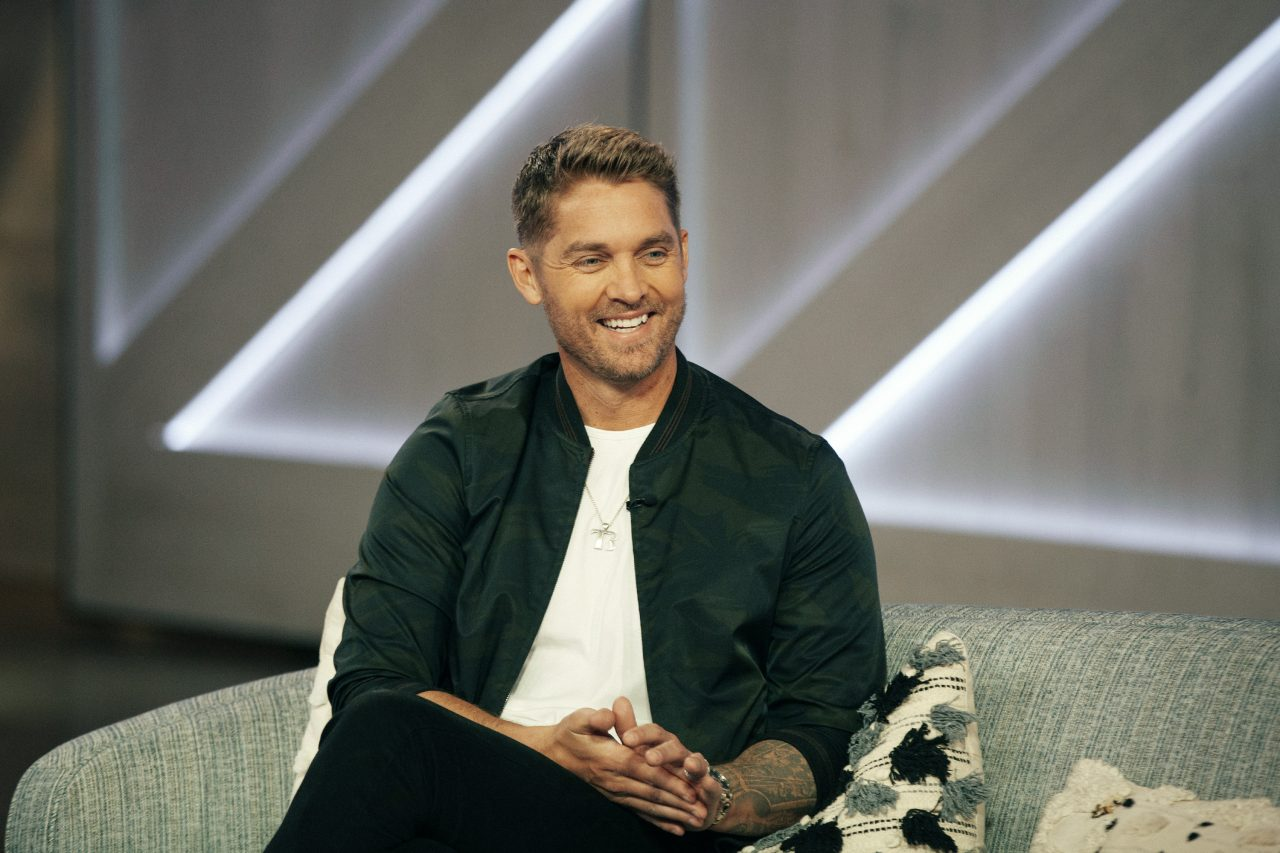 Brett Young and Wife Reveal Sex of Baby No.2 on 'Kelly Clarkson Show'