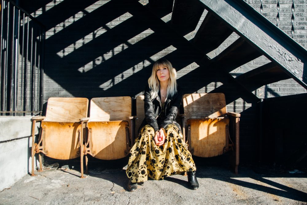 Lindsay Ellyn Embraces Her Inner Rebel in 'Hard to Forget'