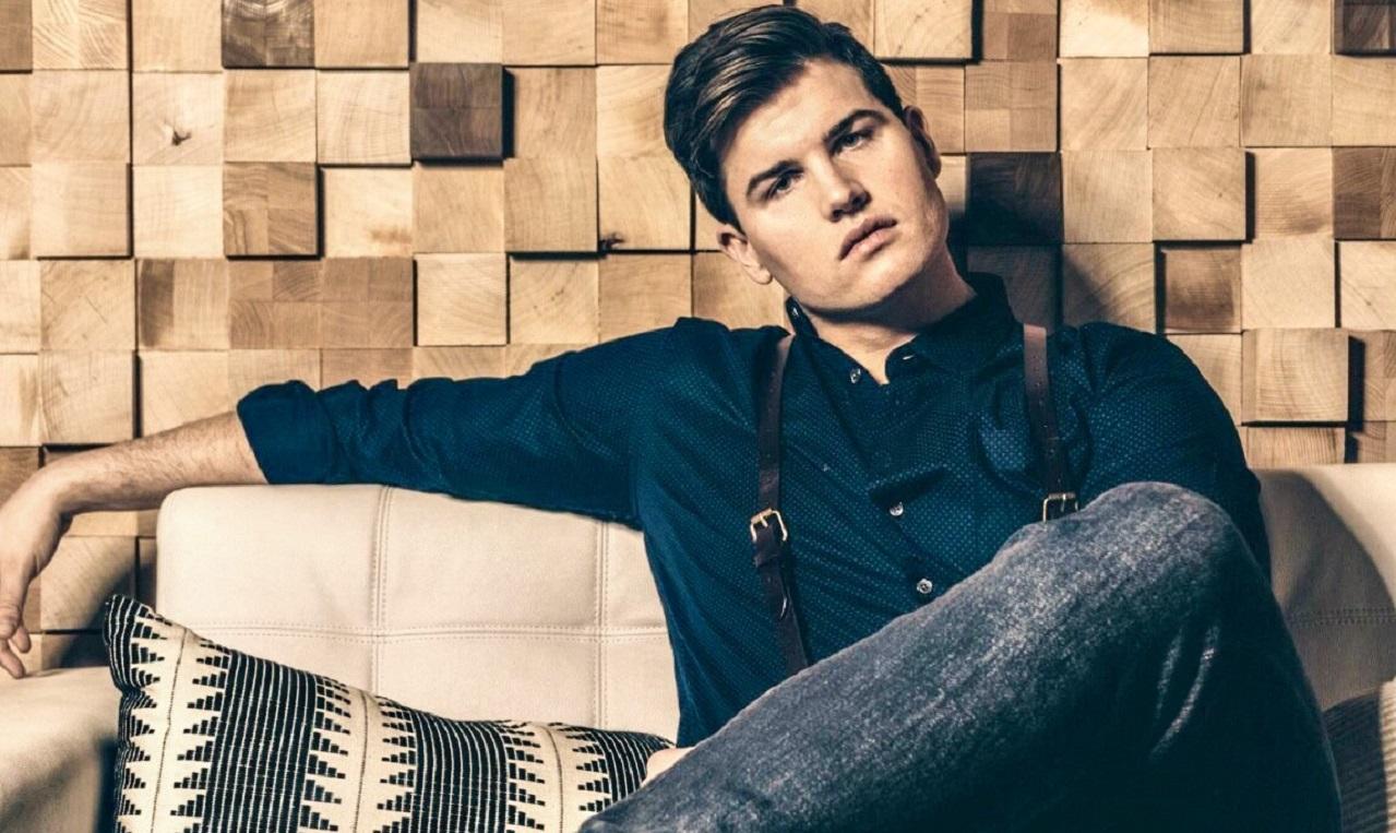 Raleigh Keegan Offers A Heartfelt Acoustic Take Of 'Handyman'