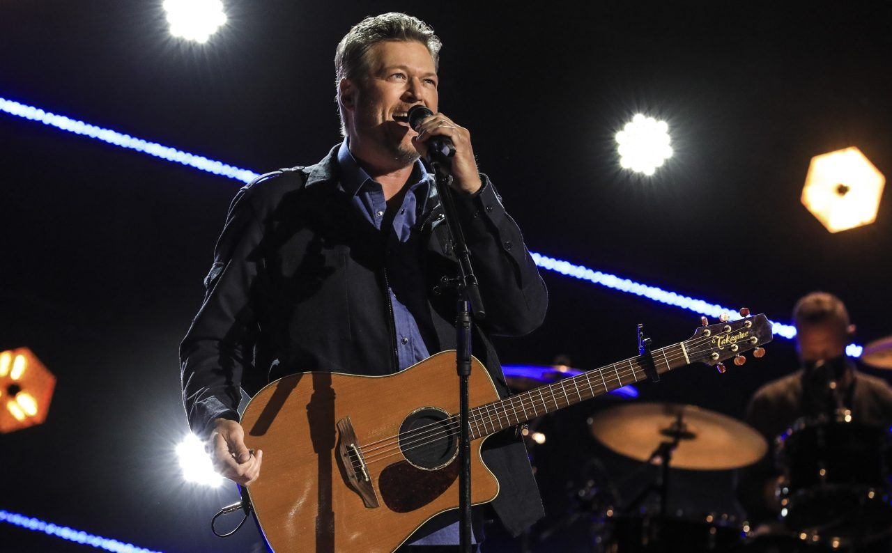 Blake Shelton Reads Between the Lines of Faith in 'Bible Verses'