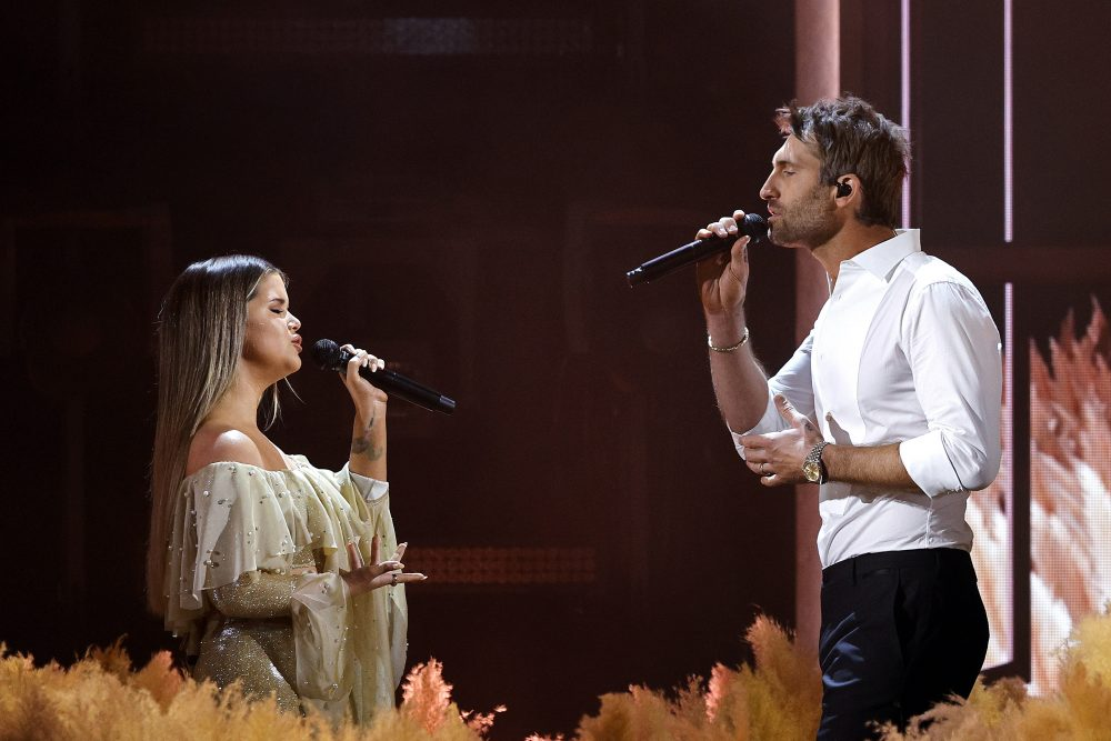 Maren Morris and Ryan Hurd Bring the Romance With 'Chasing After You' to 2021 ACM Awards