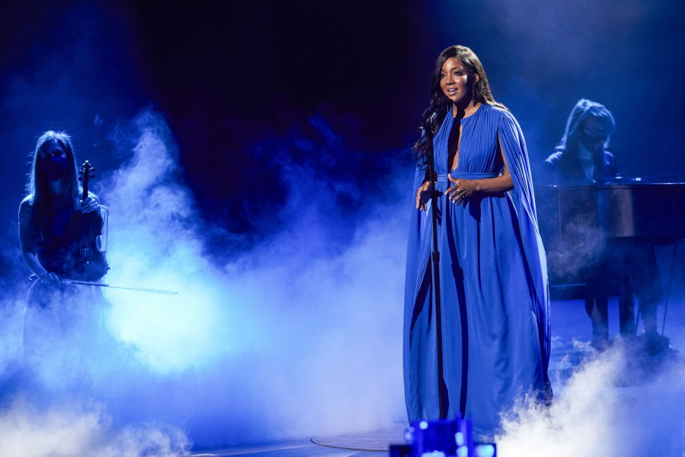 """Mickey Guyton Inspires During ACM Lifting Lives Performance of """"Hold On"""" at the 2021 ACM Awards"""