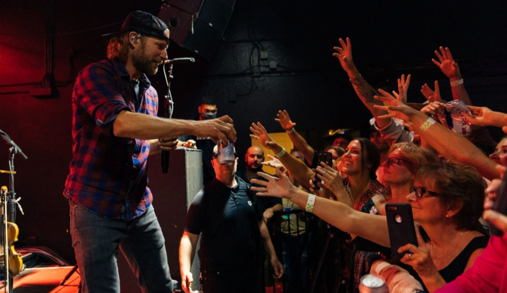 Dierks Bentley Checks In From High Times & Hangovers Club Tour