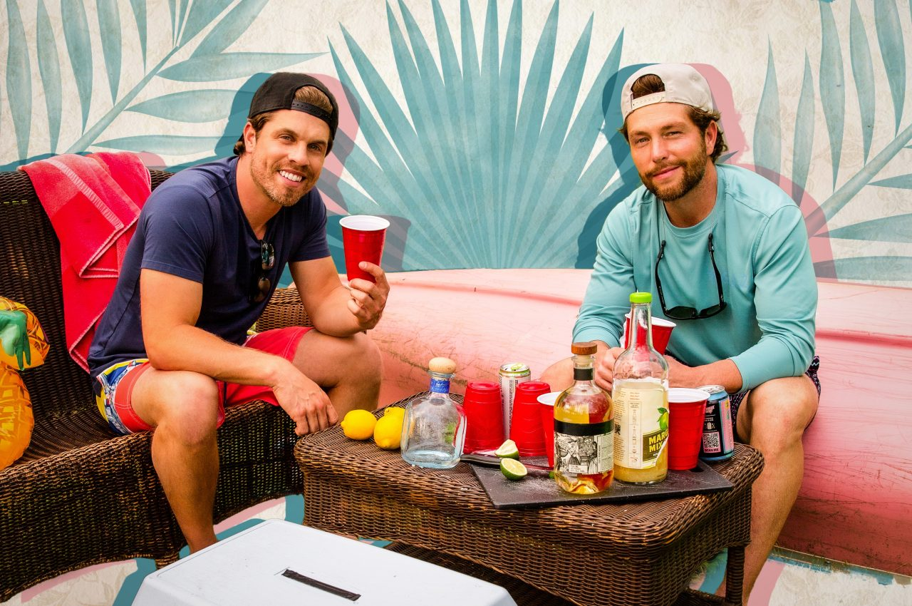 """Dustin Lynch and Chris Lane Team Up for New Summer Anthem, """"Tequila on a Boat"""""""