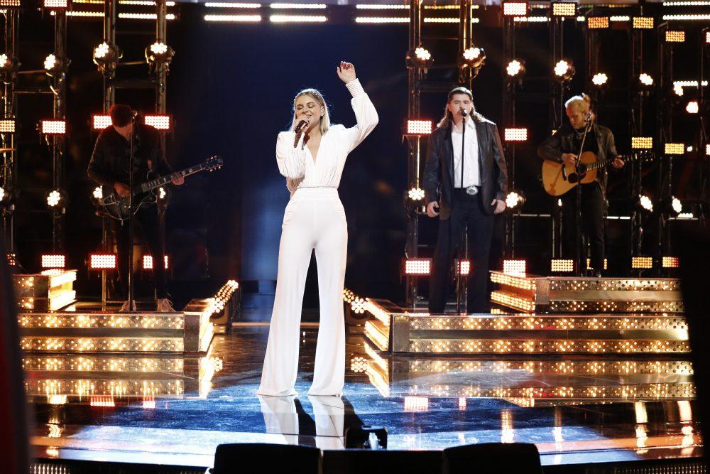 Kelsea Ballerini and Kenzie Wheeler Duet 'Half of My Hometown' on 'The Voice'