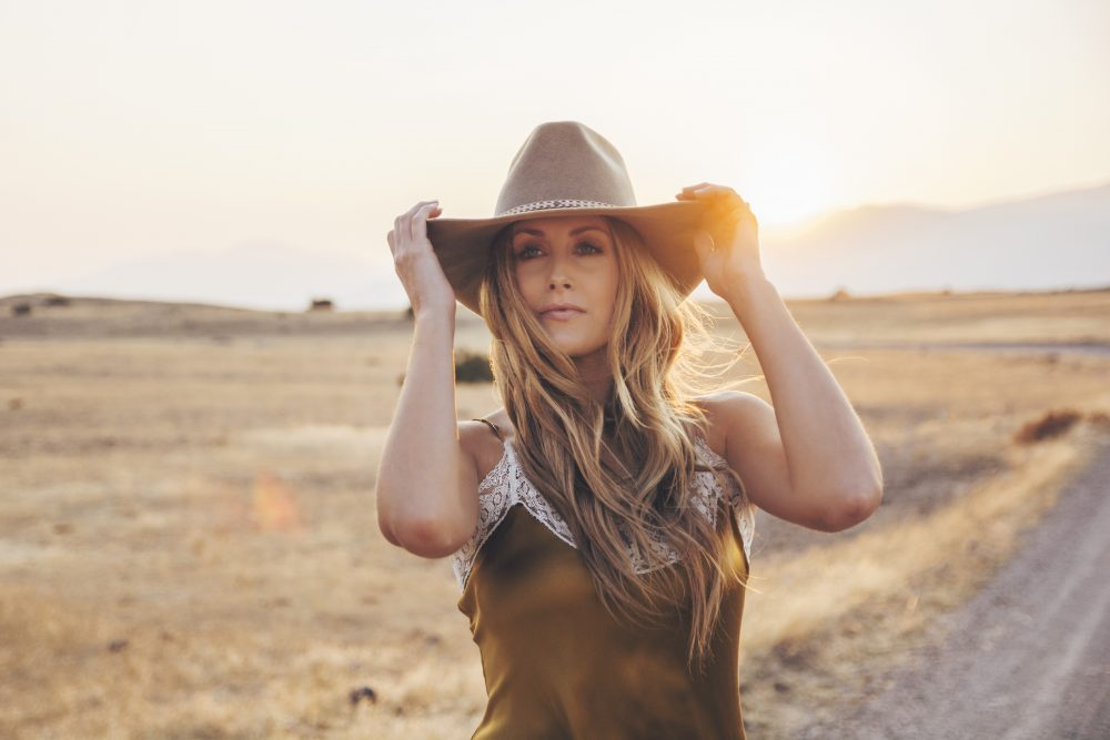 Stephanie Quayle Soars On Spellbinding 'We Buy Gold'
