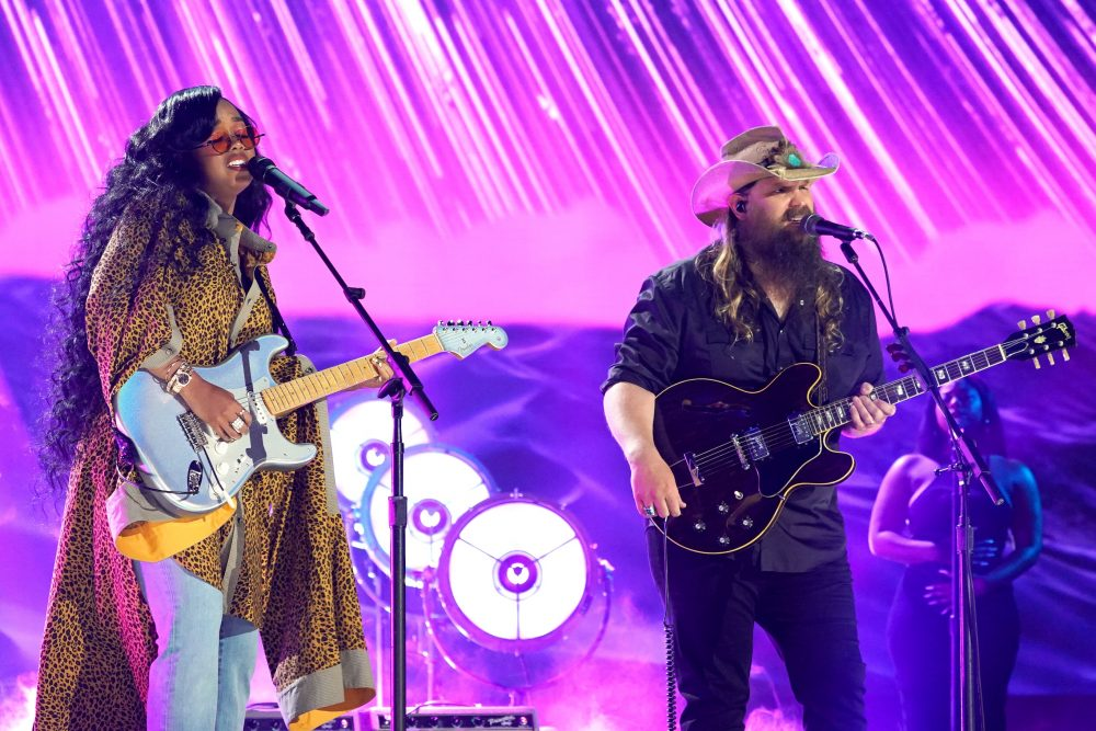 Chris Stapleton and H.E.R. Go Toe to Toe With 'Hold On' at CMT Awards