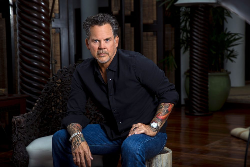 """Gary Allan Goes """"Unfiltered"""" During Exclusive Interview"""