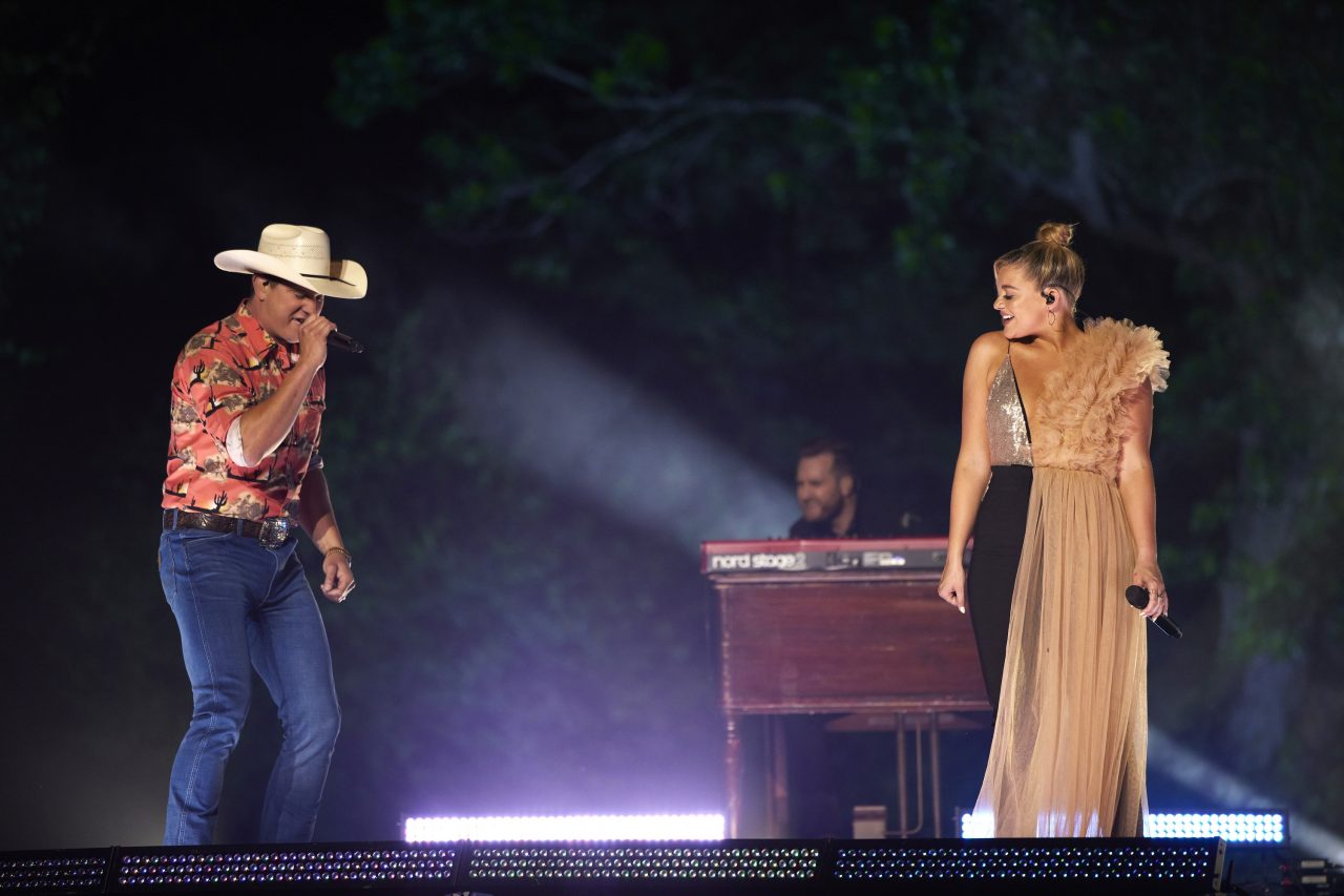 Lauren Alaina and Jon Pardi Team Up For Sassy 'Getting Over Him' at CMT Awards