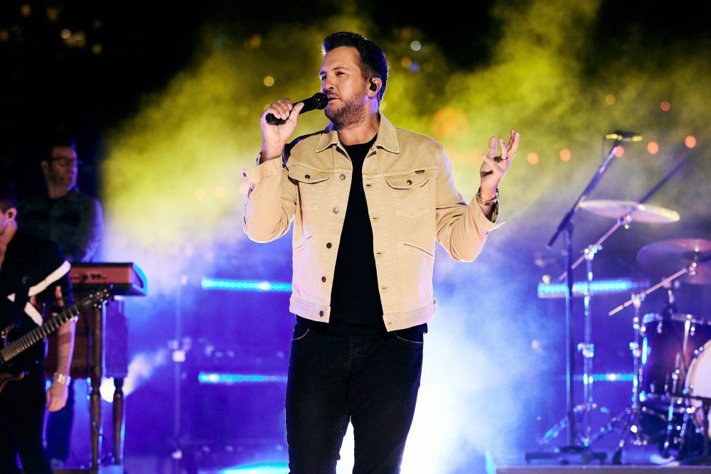 Luke Bryan Lights Up Nashville Skyline With 'Down to One' at CMT Awards