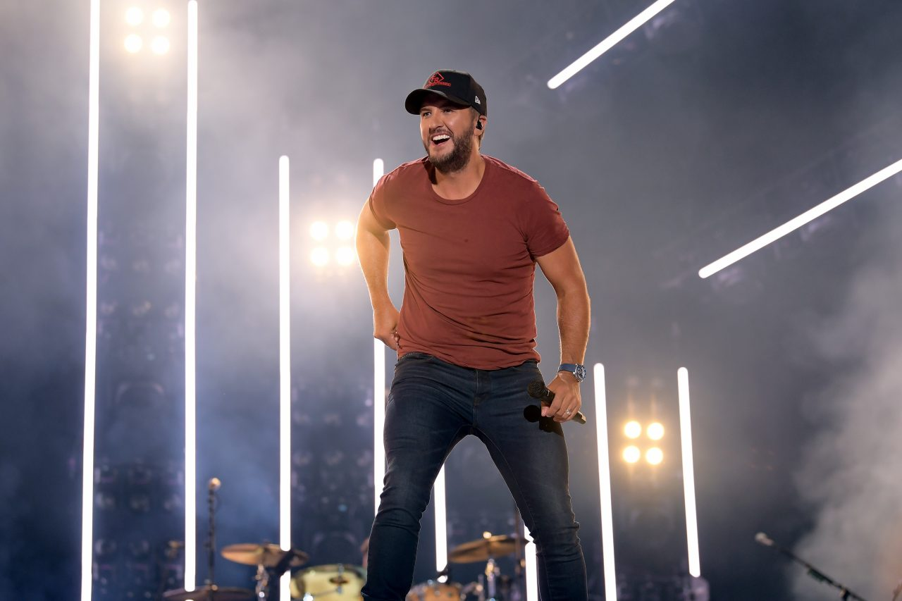 Luke Bryan Rides 'Waves' to 27th Number One at Country Radio