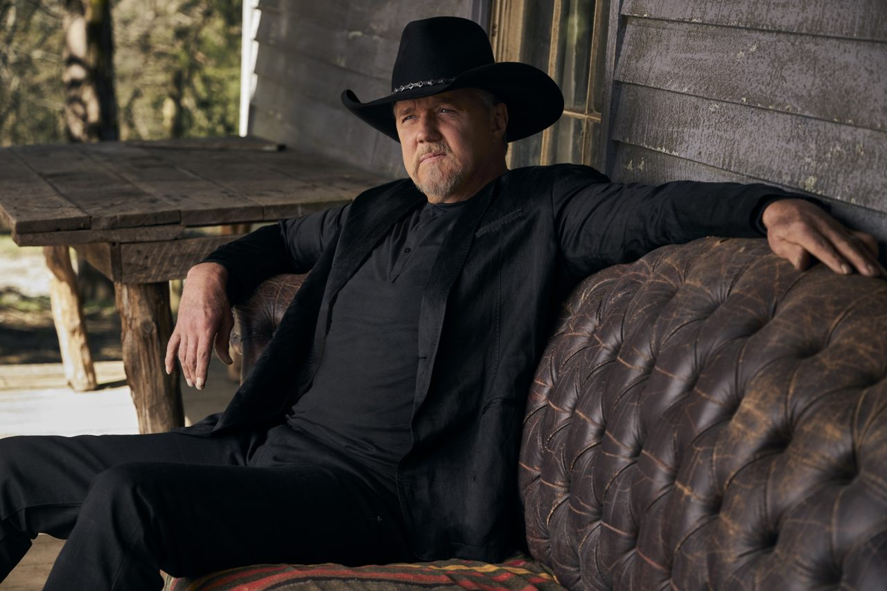 Trace Adkins, Luke Bryan and Pitbull's 'Where the Country Girls At' Video
