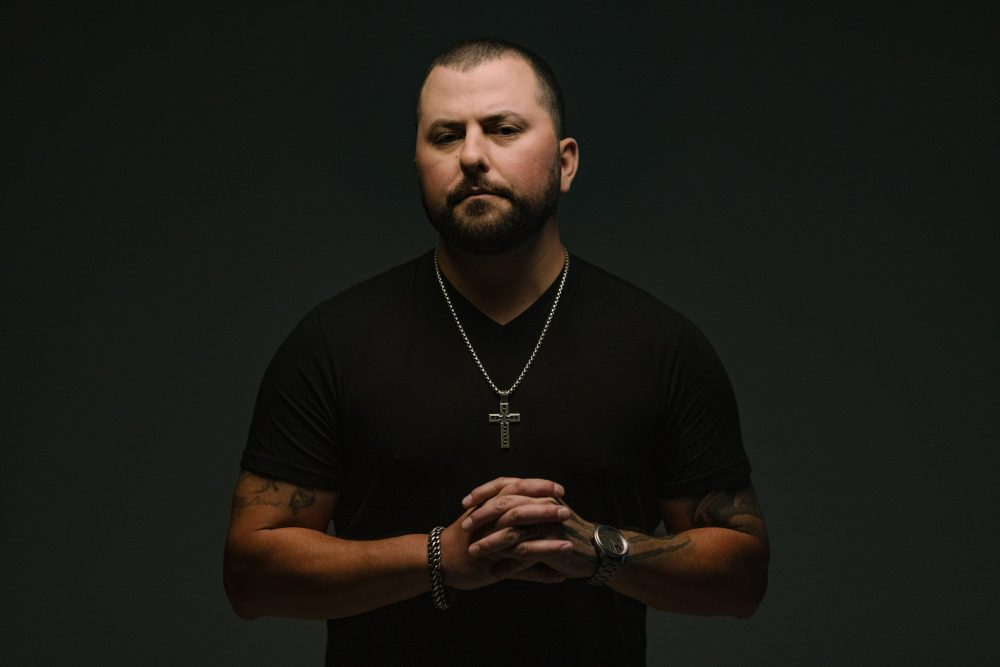 Tyler Farr Stands Against Domestic Violence in Empowering 'Cover Girl'