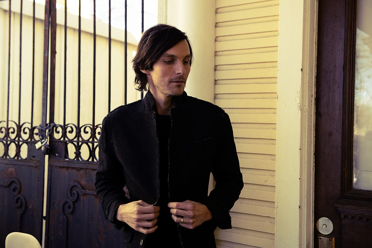 Charlie Worsham Chronicles His Personal Growth On New EP, 'Sugarcane'