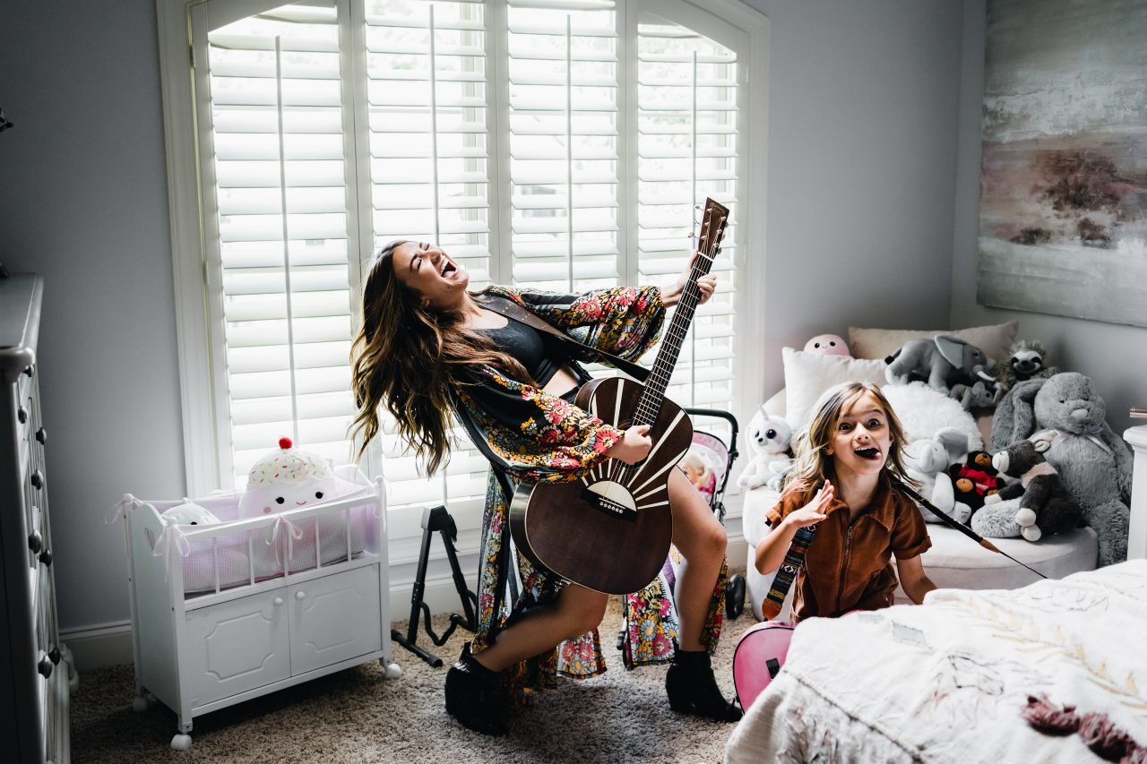 """Tenille Townes Releases Inspiring """"Girl Who Didn't Care"""" Video"""