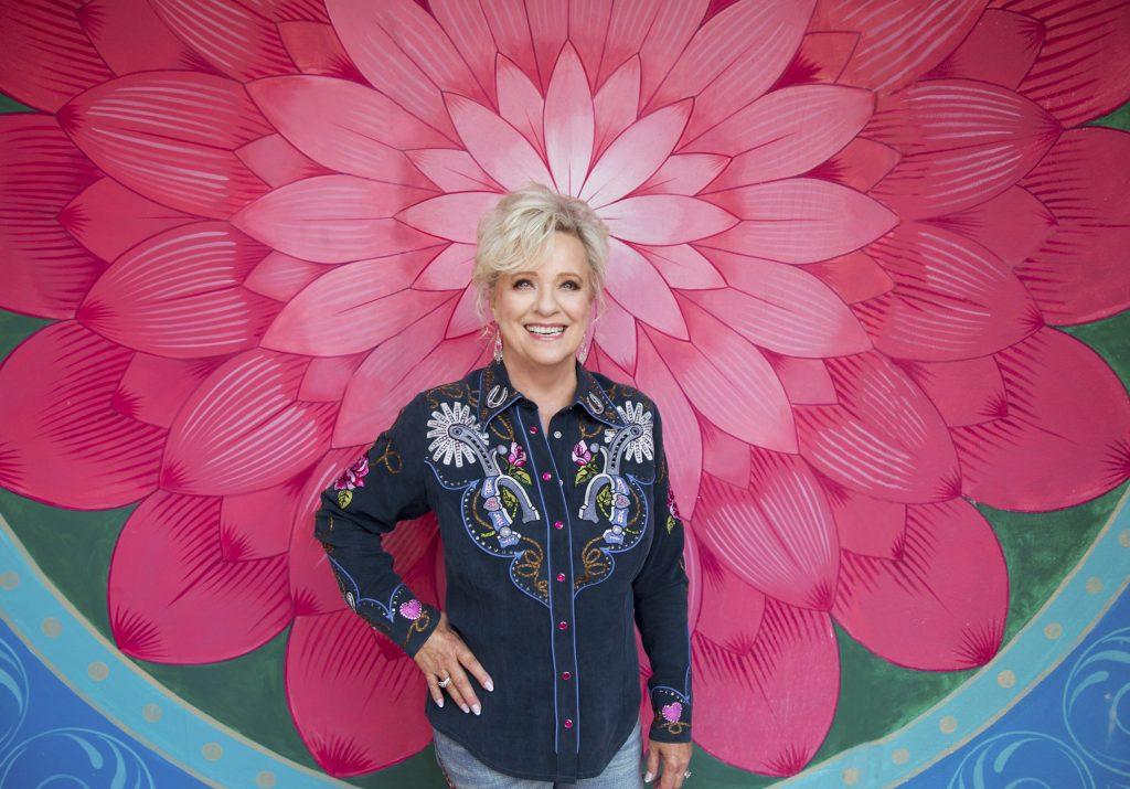 Connie Smith : Photo Credit; Alysse Gafkjen
