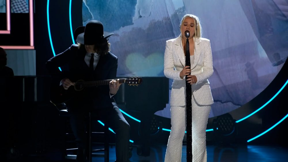 Gabby Barrett Stuns 2021 CMT Artists of the Year With 'The Good Ones'